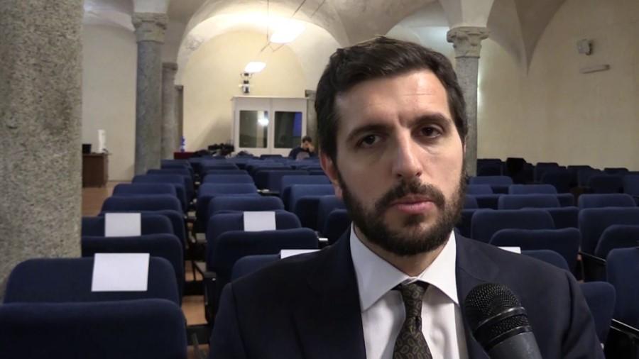 »Libera se odlično znajde,« je za časnik Stampa komentiral Michele Riccardi, višji raziskovalec pri Transcrime, Università Cattolica del Sacro Cuore.