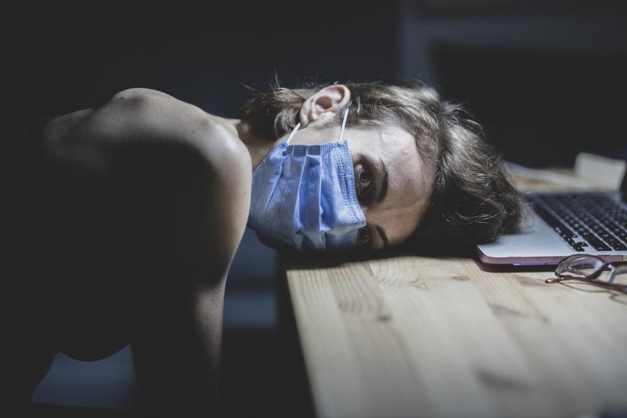Načeloma ima 80 % okuženih blag potek bolezni.
