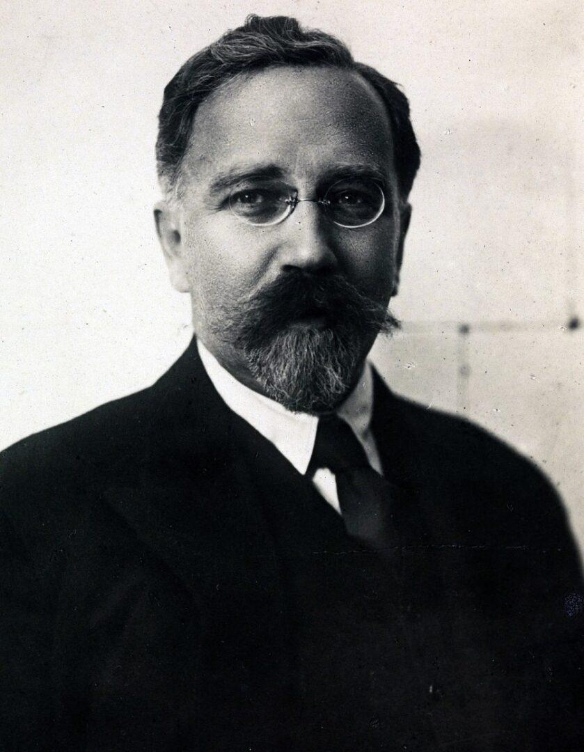 Lev Borisovič Kamenjev, ruski boljševik in politik.