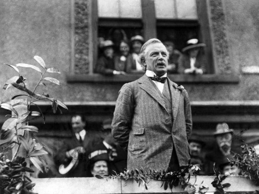 Kardinal in škofje so se nad nasiljem javno zgrozili in ga obsodili, a Lloyd George je vsa nasprotovanja preslišal in pustil, da se smrtne obsodbe nadaljujejo.