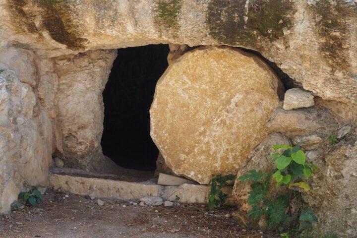 Vstajenje – izhodišče in cilj krščanskega življenja