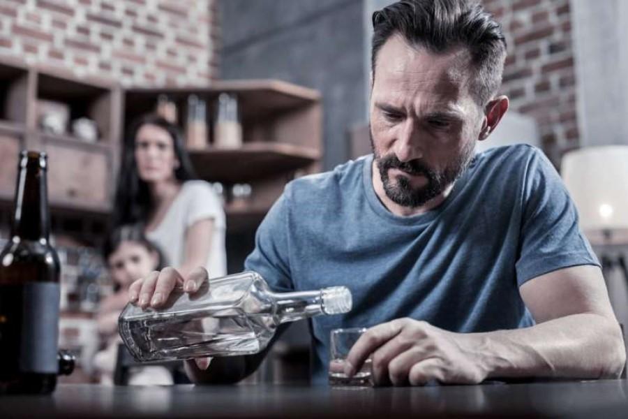 Prevečkrat so otroci alkoholikov prezrti, pozabljeni.