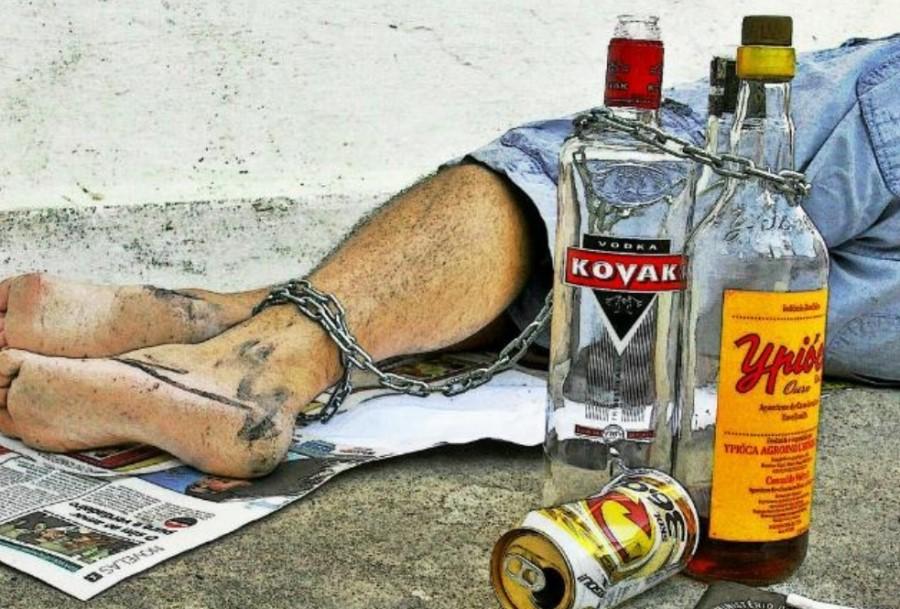 Alkoholizem je rak rana slovenske družbe, a si še vedno zatiskamo oči pred tem.