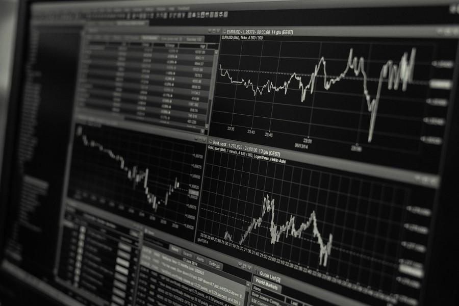 Zaradi porasta številnih platform za investiranje in enostavnega postopka se delež ljudi, ki se odločijo za investiranje svojih prihrankov, povečuje.