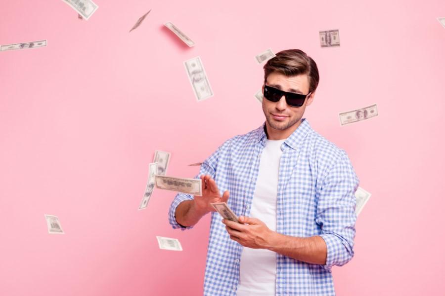 Vplivneži na socialnih omrežjih so postali »bankirji« za mlade