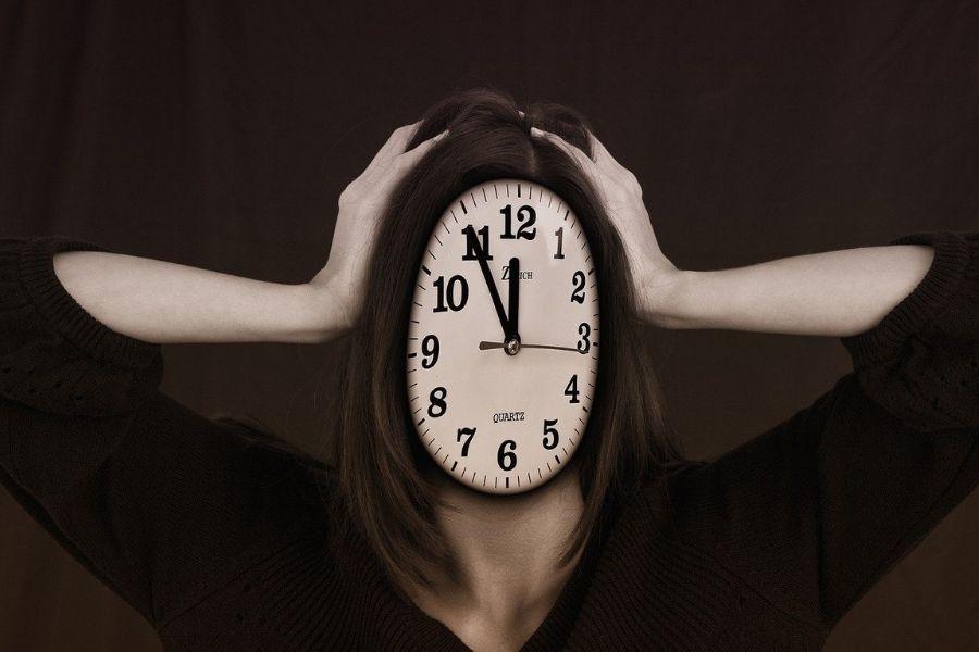 Na povišano raven kortizola in estrogena v krvi v veliki meri vpliva stres. Vir slike: Pixabay.