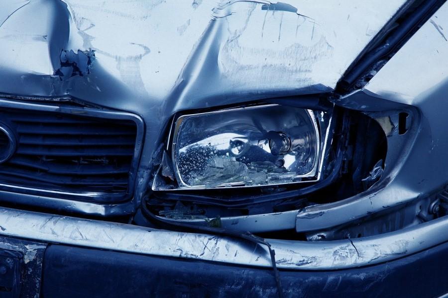 Kljub temu, da menite, da odrgnina, ki ste ju povzročili na drugem avtomobilu, se bo sprala ob prvem pranju avtomobila, ste storili prometno nesrečo.