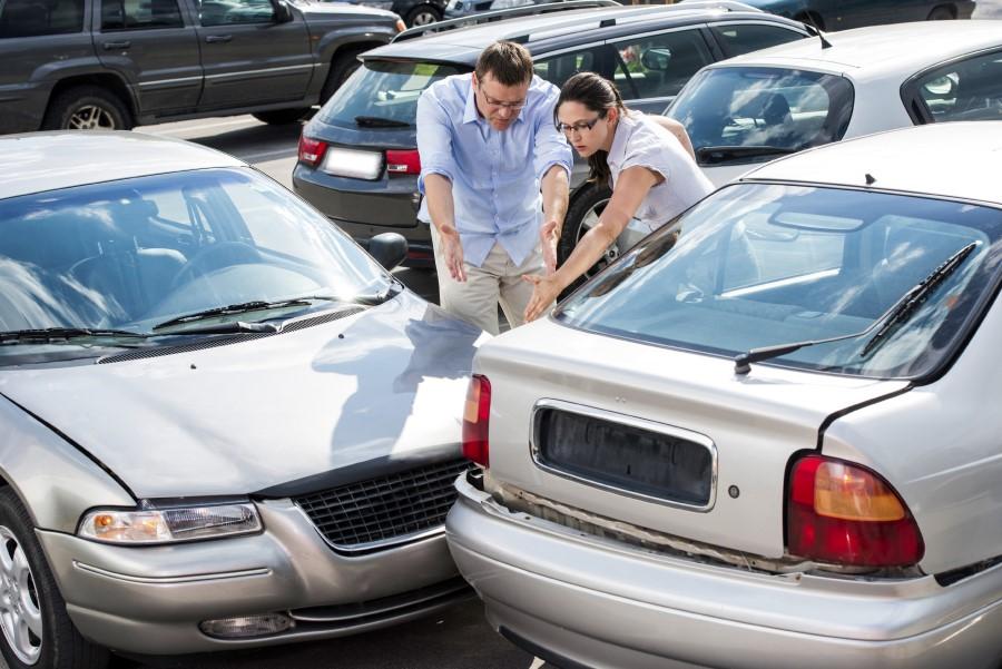 Avtomobil so vam poškodovali na parkirnem prostoru, kaj pa zdaj?