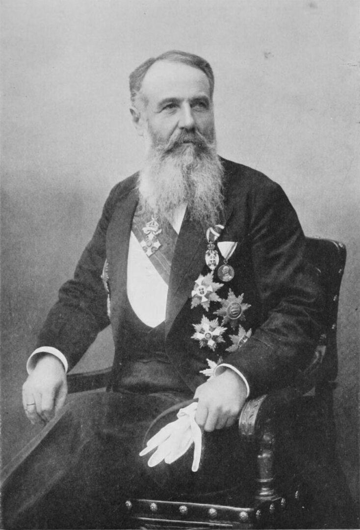 Radikalci naj bi zahtevali, da se glasovanje zaključi in ustavo sprejme, a so na Pašičevo zahtevo stopili korak nazaj in predlog umaknili.