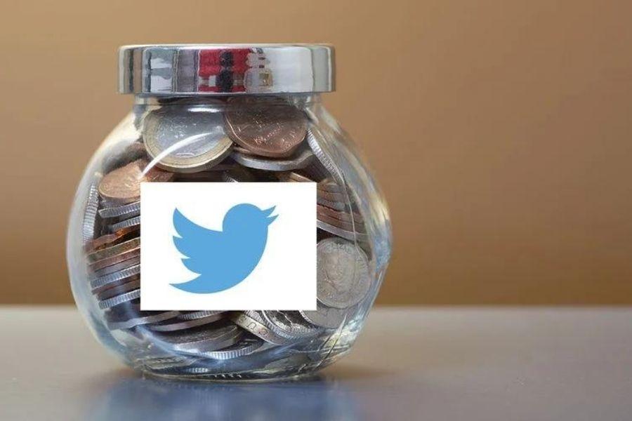 V začetku maja letos je Twitter predstavil novost »Tip Jar« (vrč za napitnino), ki omogoča hitre donacije izbranim ustvarjalcem. Vir slike: Screenrant.