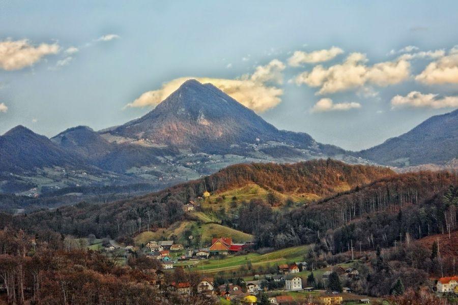 30 vrhov za 30 let: Donačka gora. Vir slike: Pixabay.