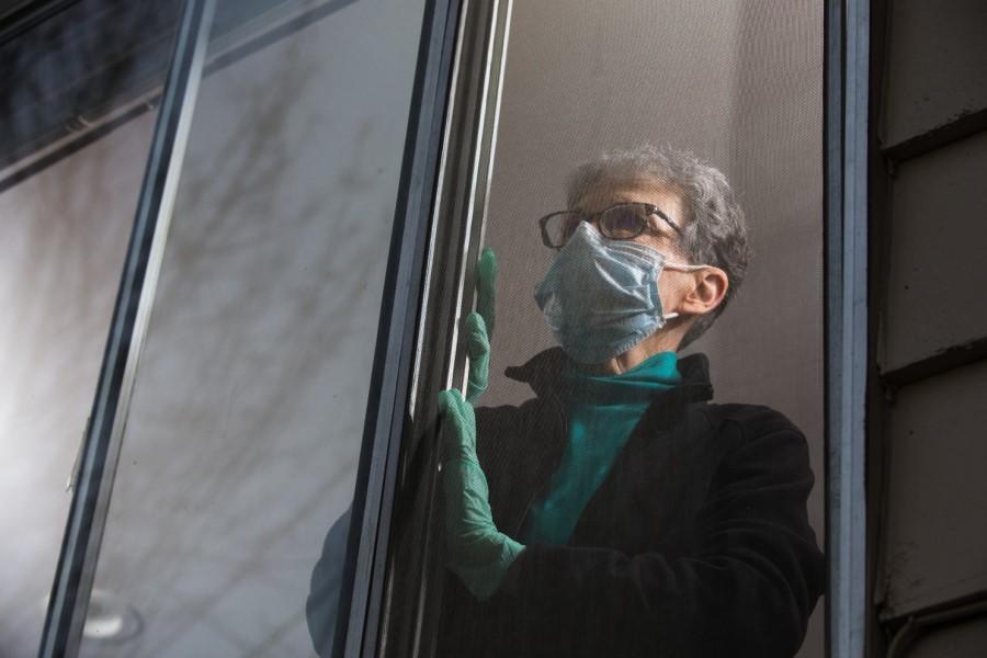 Po podatkih Svetovne zdravstvene organizacije je za pandemije tudi značilno povečanje anksioznosti in depresije.