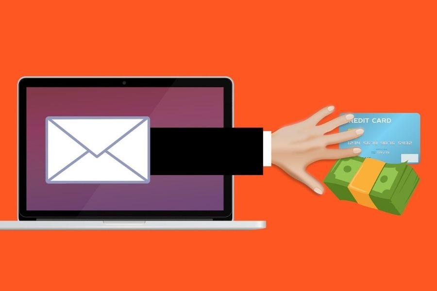V kolikor pošiljatelja sporočila ne poznate, ne odpirajo povezav in ne vnašajte želenih podatkov, prav tako ne odpirajte priponk v elektronskih sporočilih neznanih pošiljateljev. Gre za namen zlorabe. Vir slike: Pixabay.