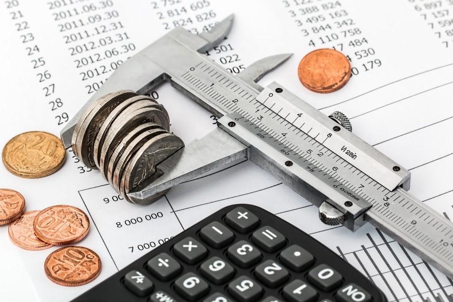 Podatki evropskega statističnega urada Eurostat sicer kažejo, da se je BDP na četrtletni ravni skrčil za 0,6 odstotka, na ravni celotne Evropske unije pa za 0,4 odstotka.