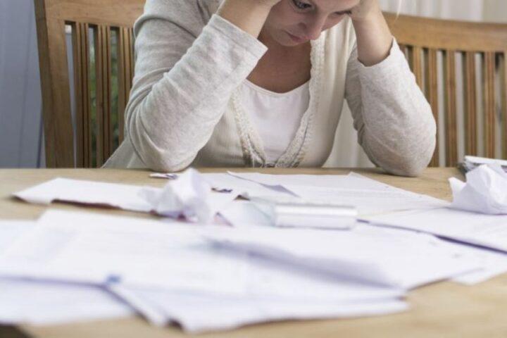 Starši mladoletnih otrok, ste vedeli, da vam v primeru izvršbe lahko ostane na računu več kot minimalna plača?
