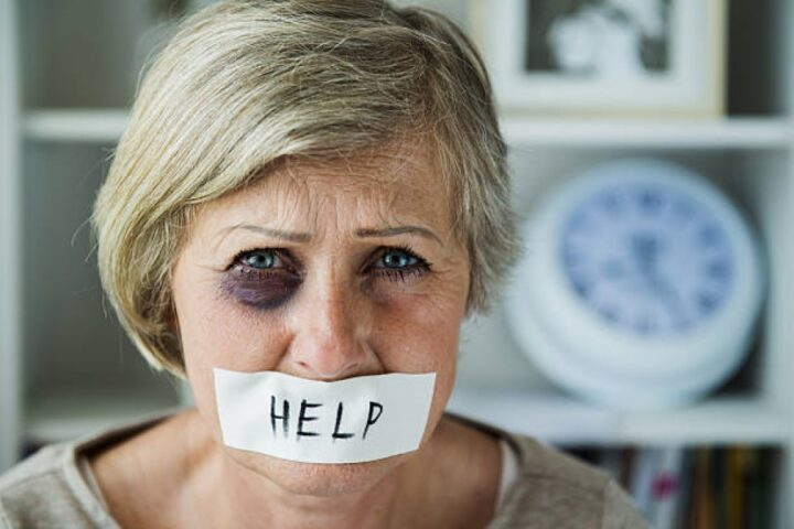 Nasilje nad starejšimi – kdaj bo dovolj pomembna tema