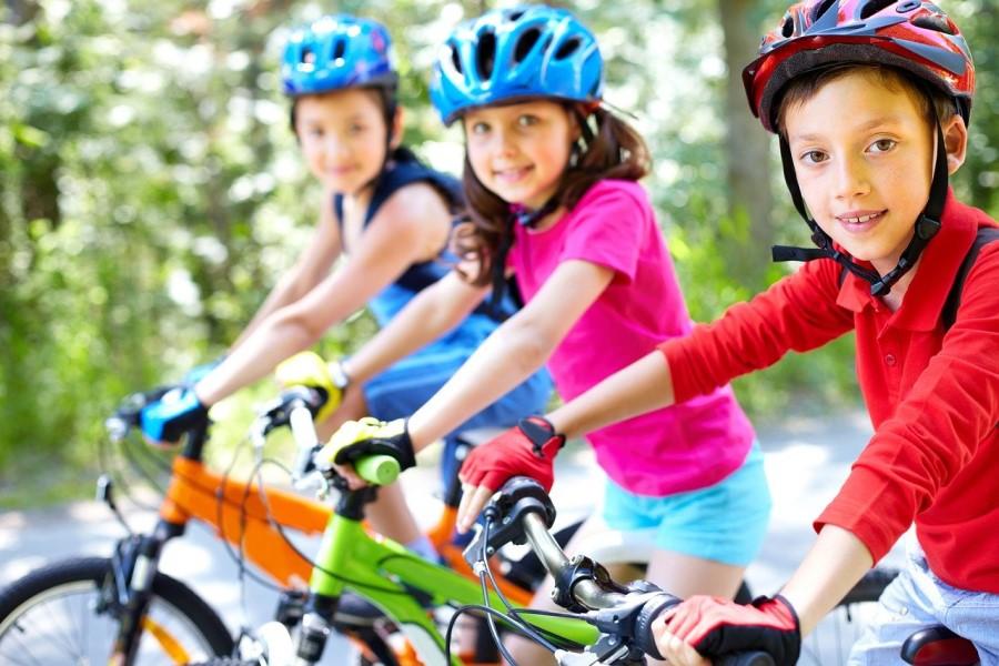 Na kolesarski izpit se lahko prijavijo otroci od dopolnjenega deseta leta starosti.