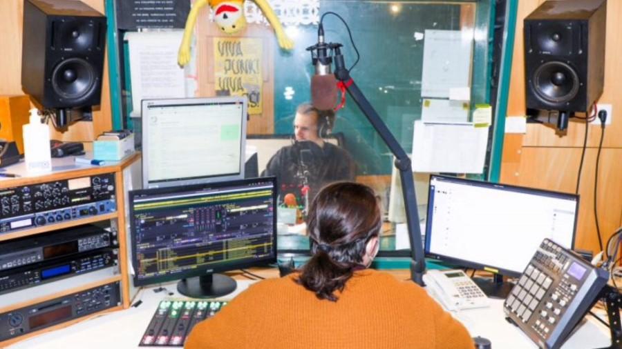 Radio Študent je bil doslej deležen vsako leto med 60.000 in 100.000 evrov sredstev, zato se niti ne moremo čuditi, da je ob negativnem odgovoru ministrstva za kulturo tako burno reagiral.