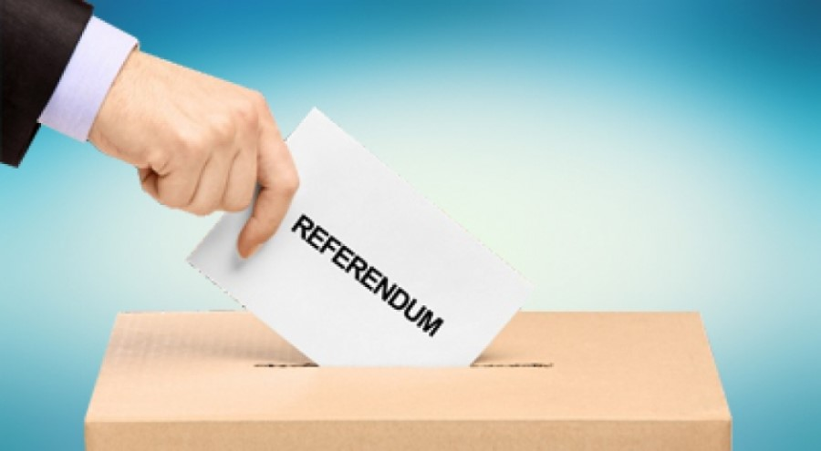 Tisti državljani Slovenije, ki bi se radi referenduma udeležili, pa v Sloveniji nimate stalnega prebivališča ali se boste v času izvedbe referenduma slučajno nahajali v tujini, boste v nedeljo, 11. julija 2021 med 9.00 in 17.00 po lokalnem času, lahko svoj glas oddali na diplomatskih predstavništvih in konzulatih.