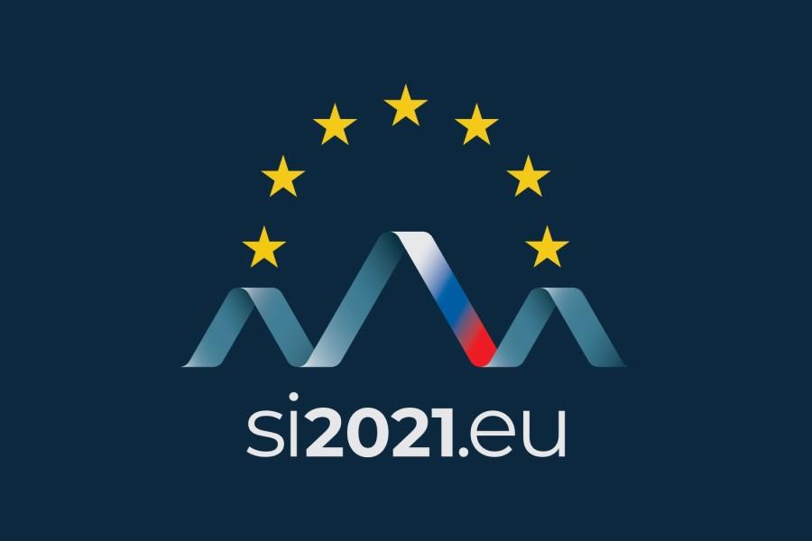 Celostna grafična podoba za namen našega predsedovanja odraža vodilo, prednostne naloge in cilje, združene v sloganu »Skupaj. Odporna. Evropa.«.