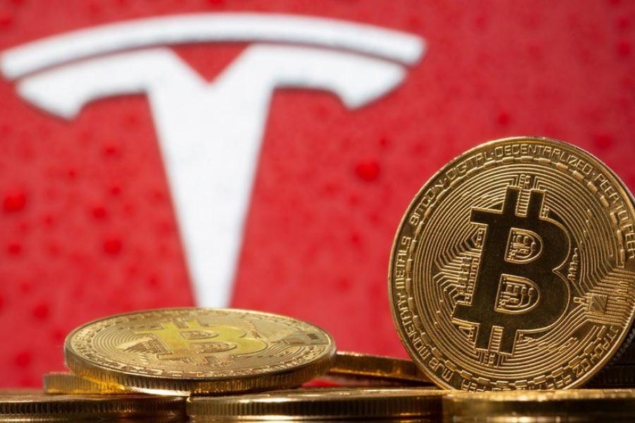 Vrednost bitcoina poskočila po tvitu Elona Muska