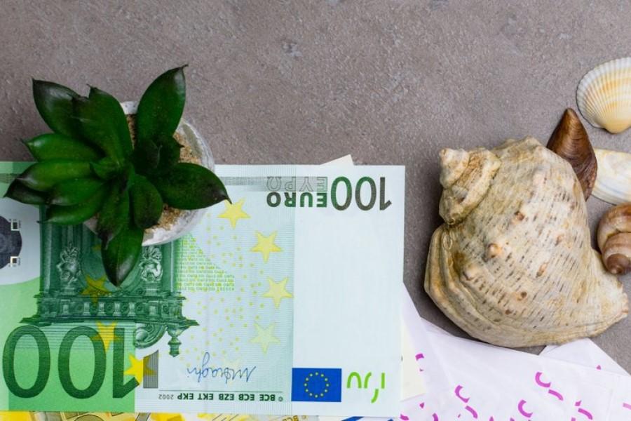 Turistične bone je namreč mogoče unovčiti le pri ponudnikih nastanitvenih obratov, v nasprotnem primeru so za kršitve predvidene tudi globe, in sicer v razponu od 1200 do 40.000 evrov.
