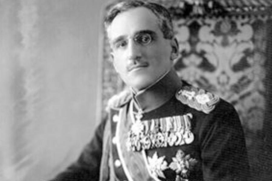 V Beogradu se je tistih dneh po cesti peljal regent prestolonaslednik Aleksander I. Karadžordžević v spremstvu ministrskega predsednika Nikoli Pašića na pregled vojaških čet.