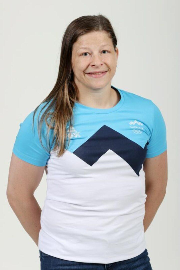 Tina Trstenjak se je rodila v Celju leta 1990. Je naša najuspešnejša judoistka zadnjih let in izhaja iz judo šole Marjana Fabjana.