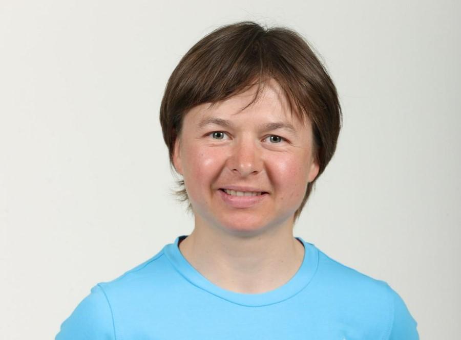 Tanja Žakelj je bila rojena leta 1988 v Kranju. Je večkratna svetovna, evropska in državna zmagovalka v gorskem kolesarstvu.