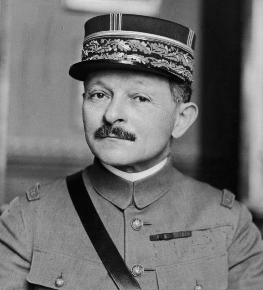 Francoski general Weygand je ob tej priložnosti izjavil, da Francija ne bo pod nobenim pogojem pričela z razorožitvijo, dokler Nemčija ne bo popolnoma razorožena.