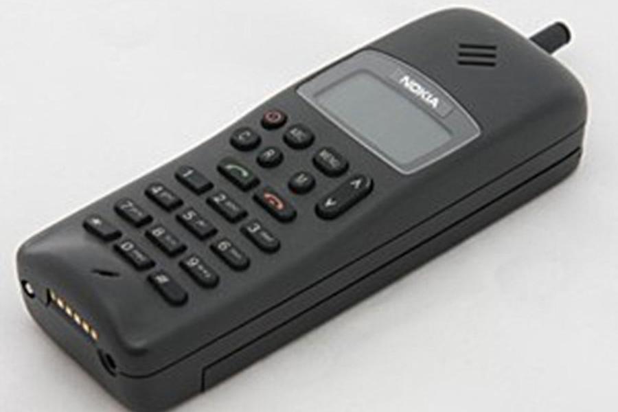 Začelo se je že leta 1991, ko je bil opravljen prvi GSM klic na svetu. Opravil ga je Finski predsednik Harri Holkeri – seveda z Nokia telefonom. Kmalu za tem je bil na trgu dostopen tudi prvi GSM telefon Nokia 1011.