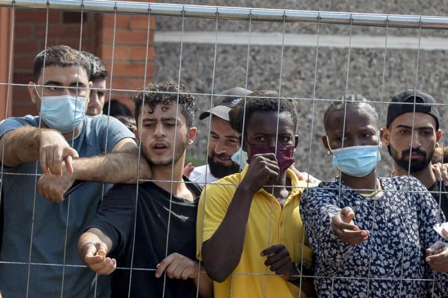 Dvojna merila EU pri soočanju z migrantsko krizo