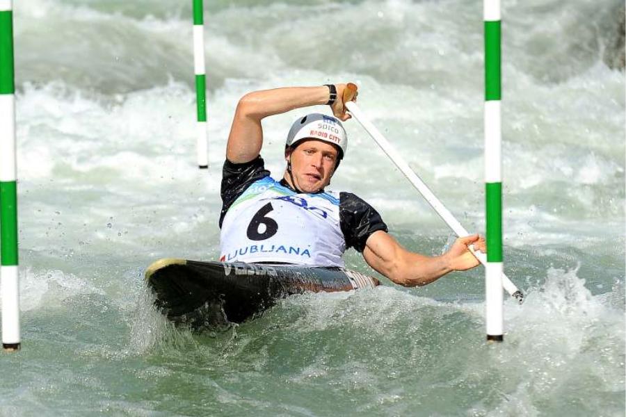 Benjamin Savšek je Sloveniji že priveslal zlato in sicer na finalih v disciplini C-1 slalom v ponedeljek 26. julija.