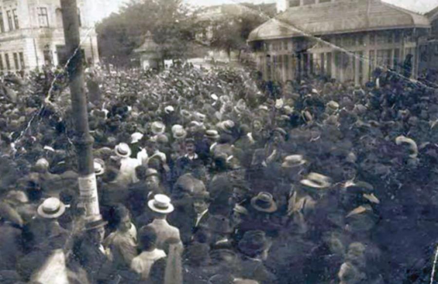 V Zagrebu pa je medtem potekala raziskava in množične aretacije. Zaslišali so atentatorja in aretirali mnoge njegove prijatelje, med katerimi so bili marsikateri šele dijaki v šolah.