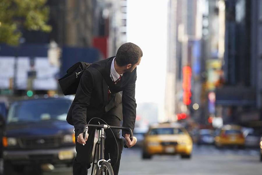 Kolesarjenje je odličen način mobilnosti za prebivalce večjih mest.
