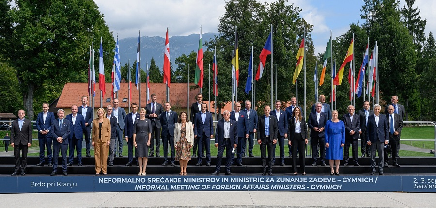 Dvodnevno srečanje zunanjih ministrov EU na Brdu o nadaljnjih prizadevanjih Unije v Afganistanu in odnosom med EU in Kitajsko. Vir: Urad vlade za komuniciranje.