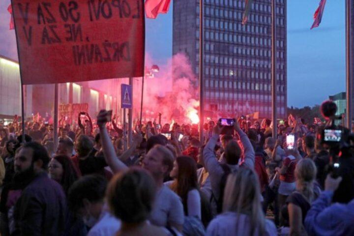 Jutrišnji protesti so le politično nabiranje točk