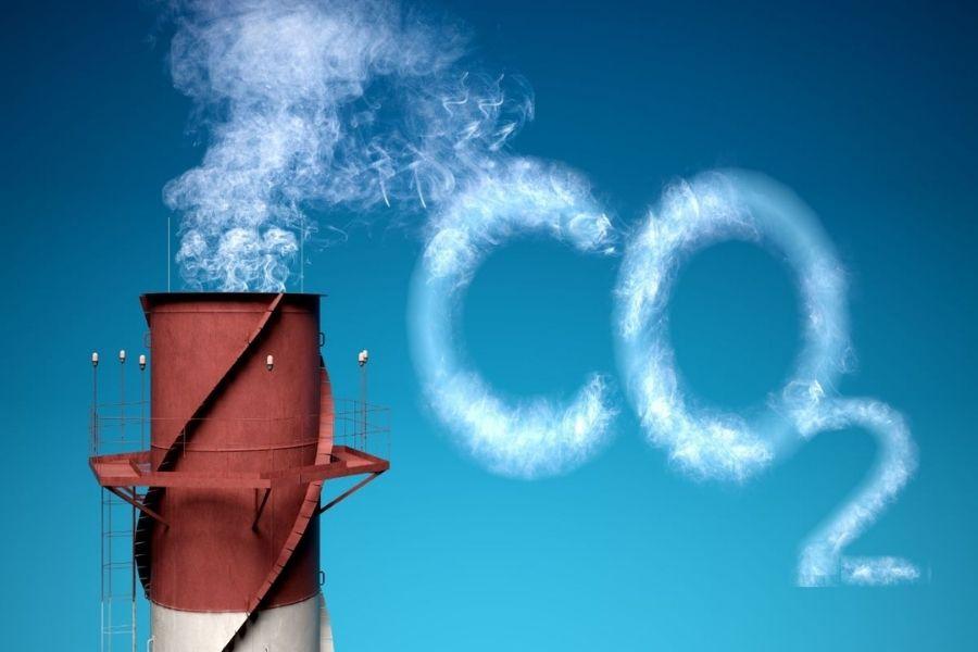 Namen mehanizma za ogljično prilagoditev na mejah je zagotoviti enako obravnavo domačih in uvoženih izdelkov z vidika cen za emisije ogljika. Vir slike: Nas-stik.si.